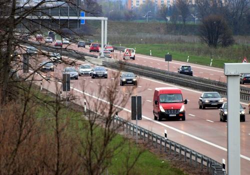 Autobahn, über dts Nachrichtenagentur