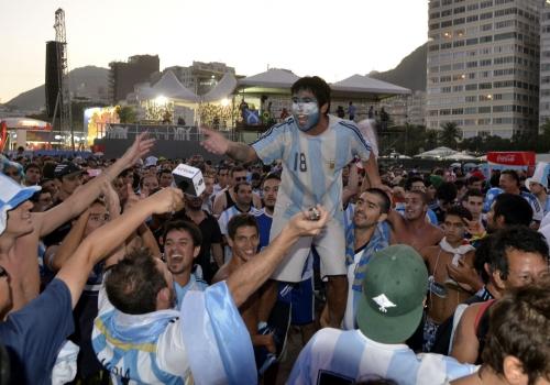 Fans aus Argentinien bei der Fußball-WM 2014, Tânia Rêgo/Agência Brasil, Lizenztext: dts-news.de/cc-by