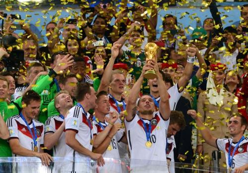Deutschland bekommt den WM-Pokal am 13.07.2014, Marcello Casal Jr/Agência Brasil, Lizenztext: dts-news.de/cc-by