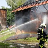 02-08-2014-unterallgaeu-greimeltshofen-brand-stadel-feuerwehr-wis-new-facts-eu_012