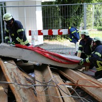 03-08-2014-kempten-allgaeu-katastrophenschutzuebung-feuerwehr-thw-brk-juh-festwoche-groll100