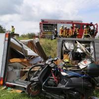 12-08-2014-a7-groenenbach-woringen-unfall-wohnmobil-ueberschlag-poeppel-new-facts-eu (10)