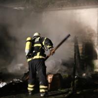 12-08-2014-memmingen-brand-riedbachstrasse-pavillion-hasenstall-feuerwehr-poeppel-new-facts-eu (16)