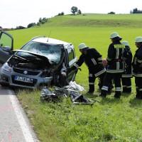 17-08-2014-oberallgaeu-utrasried-unfall-pkw-baum-schwerverletzt-feuerwehr-bringezu-new-facts-eu (17)