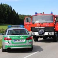 17-08-2014-oberallgaeu-utrasried-unfall-pkw-baum-schwerverletzt-feuerwehr-bringezu-new-facts-eu (23)