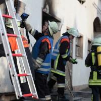 22-08-2014-guenzburg-ziemetshausen-brand-wohnung-kinder-familie-lebensgefahr-feurwehr-zwiebler-new-facts-eu045