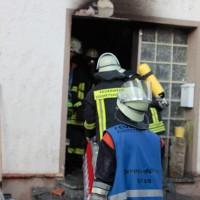22-08-2014-guenzburg-ziemetshausen-brand-wohnung-kinder-familie-lebensgefahr-feurwehr-zwiebler-new-facts-eu054
