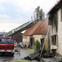 22-08-2014-guenzburg-ziemetshausen-brand-wohnung-kinder-familie-lebensgefahr-feurwehr-zwiebler-new-facts-eu084