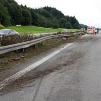 27-07-2014-a7-altenstadt-illertissen-unfall-400ps-sportwagen-feuerwehr-polizei-wis-new-facts-eu (11)