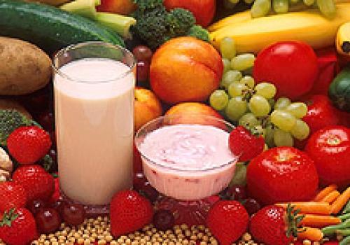 Milch, Joghurt und Früchte, über dts Nachrichtenagentur