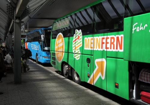 Fernbusse von Flixbus und MeinFernbus.de, über dts Nachrichtenagentur
