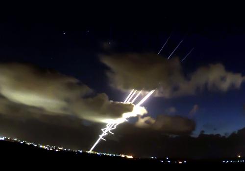 Raketen werden aus dem Gaza-Streifen abgefeuert, Israel Defense Forces, Lizenztext: dts-news.de/cc-by