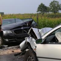 05-09-2014-buxheim-steinheim-egelseerstrasse-unfall-frontal-verletzt-feuerwehr-poeppel-new-facts-eu (4)
