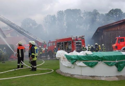 21-09-2014-memmingen-egelsee-brand-wohnhaus-dachstuhl-feuerwehr-new-facts-eu (10)