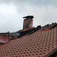 21-09-2014-memmingen-egelsee-brand-wohnhaus-dachstuhl-feuerwehr-new-facts-eu (15)