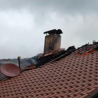 21-09-2014-memmingen-egelsee-brand-wohnhaus-dachstuhl-feuerwehr-new-facts-eu (16)