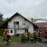 21-09-2014-memmingen-egelsee-brand-wohnhaus-dachstuhl-feuerwehr-new-facts-eu (21)