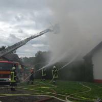 21-09-2014-memmingen-egelsee-brand-wohnhaus-dachstuhl-feuerwehr-new-facts-eu (4)