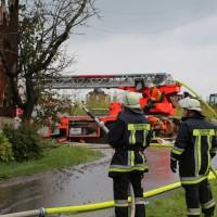 25-09-2014-lindau-heimenkirch-oberried-brand-bauernhof-feuerwehr-poeppel-new-facts-eu (14)