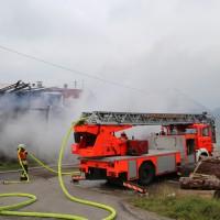 25-09-2014-lindau-heimenkirch-oberried-brand-bauernhof-feuerwehr-poeppel-new-facts-eu (2)