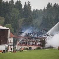 25-09-2014-lindau-heimenkirch-oberried-brand-bauernhof-feuerwehr-poeppel-new-facts-eu