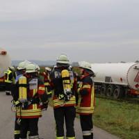 26-09-2014-a7-woringen-groenenbach-gefahrgut-tanklastzug-unfall-umpumpen-bergung-feuerwehr-poeppel-new-facts-eu (22)