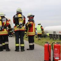 26-09-2014-a7-woringen-groenenbach-gefahrgut-tanklastzug-unfall-umpumpen-bergung-feuerwehr-poeppel-new-facts-eu (23)