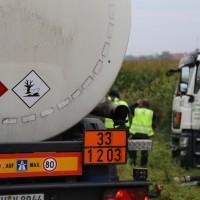 26-09-2014-a7-woringen-groenenbach-gefahrgut-tanklastzug-unfall-umpumpen-bergung-feuerwehr-poeppel-new-facts-eu (28)