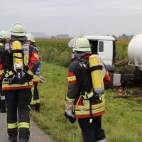 26-09-2014-a7-woringen-groenenbach-gefahrgut-tanklastzug-unfall-umpumpen-bergung-feuerwehr-poeppel-new-facts-eu (3)