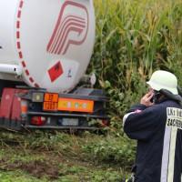 26-09-2014-a7-woringen-groenenbach-gefahrgut-tanklastzug-unfall-umpumpen-bergung-feuerwehr-poeppel-new-facts-eu (30)