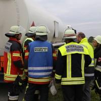 26-09-2014-a7-woringen-groenenbach-gefahrgut-tanklastzug-unfall-umpumpen-bergung-feuerwehr-poeppel-new-facts-eu (37)
