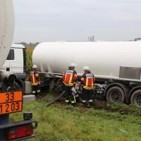 26-09-2014-a7-woringen-groenenbach-gefahrgut-tanklastzug-unfall-umpumpen-bergung-feuerwehr-poeppel-new-facts-eu (39)