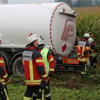 26-09-2014-a7-woringen-groenenbach-gefahrgut-tanklastzug-unfall-umpumpen-bergung-feuerwehr-poeppel-new-facts-eu (51)