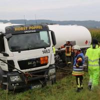 26-09-2014-a7-woringen-groenenbach-gefahrgut-tanklastzug-unfall-umpumpen-bergung-feuerwehr-poeppel-new-facts-eu (54)