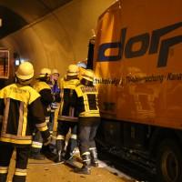 26-09-2014-a96-kohlbergtunnel-erkheim-stetten-lkw-unfall-schwer-rettungsdienst-polizei-feuerwehr-poeppel-new-facts-eu (13)