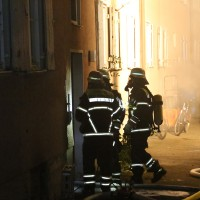 27-09-2014-memmingen-ruebezahlplatz-brand-mehrfamilienhaus-keller-brandstiftung-feuerwehr-poeppel-new-facts-eu (18)