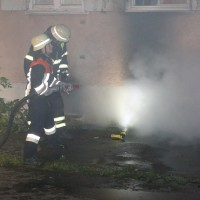 27-09-2014-memmingen-ruebezahlplatz-brand-mehrfamilienhaus-keller-brandstiftung-feuerwehr-poeppel-new-facts-eu (3)