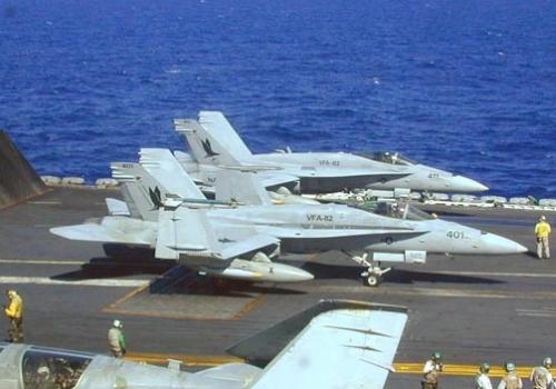US-Kampfflugzeuge an Bord eines Flugzeugträgers, über dts Nachrichtenagentur