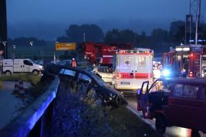 01-10-2014-unterallgaeu-groenenbach-unfall-feuerwehr-poeppel-new-facts-eu002