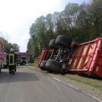 05-10-2014-biberach-mettenberg-rot-unfall-traktor-toedlich-feuerwehr-poeppel-new-facts-eu004