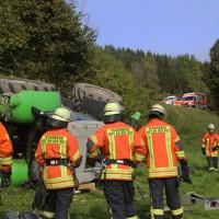 05-10-2014-biberach-mettenberg-rot-unfall-traktor-toedlich-feuerwehr-poeppel-new-facts-eu008