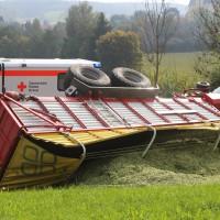 05-10-2014-biberach-mettenberg-rot-unfall-traktor-toedlich-feuerwehr-poeppel-new-facts-eu015
