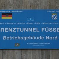 11-10-2014-ostallgaeu-a7-fuessen-tunnel-katastrophenschutz-feuerwehr-rettungsdienst-polizei-unfall-brand-bringezu-poeppel-new-facts-eu20141011_0001