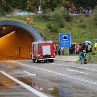 11-10-2014-ostallgaeu-a7-fuessen-tunnel-katastrophenschutz-feuerwehr-rettungsdienst-polizei-unfall-brand-bringezu-poeppel-new-facts-eu20141011_0038