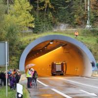11-10-2014-ostallgaeu-a7-fuessen-tunnel-katastrophenschutz-feuerwehr-rettungsdienst-polizei-unfall-brand-bringezu-poeppel-new-facts-eu20141011_0044