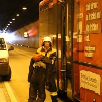 11-10-2014-ostallgaeu-a7-fuessen-tunnel-katastrophenschutz-feuerwehr-rettungsdienst-polizei-unfall-brand-bringezu-poeppel-new-facts-eu20141011_0145