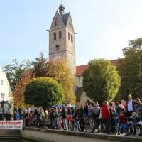 12-10-2014-memmingen-rotary-club-entenrennen-stadtbach-thw-poe-new-facts-eu20141012_0025