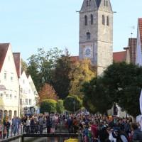 12-10-2014-memmingen-rotary-club-entenrennen-stadtbach-thw-poe-new-facts-eu20141012_0075