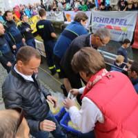 12-10-2014-memmingen-rotary-club-entenrennen-stadtbach-thw-poe-new-facts-eu20141012_0110