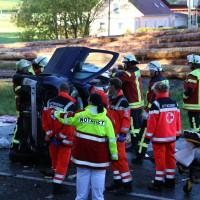 14-10-2014-unterallgaeu-zell-groenenbach-unfall-ueberschlag-feuerwehr-poeppel-new-facts-eu20141014_0008